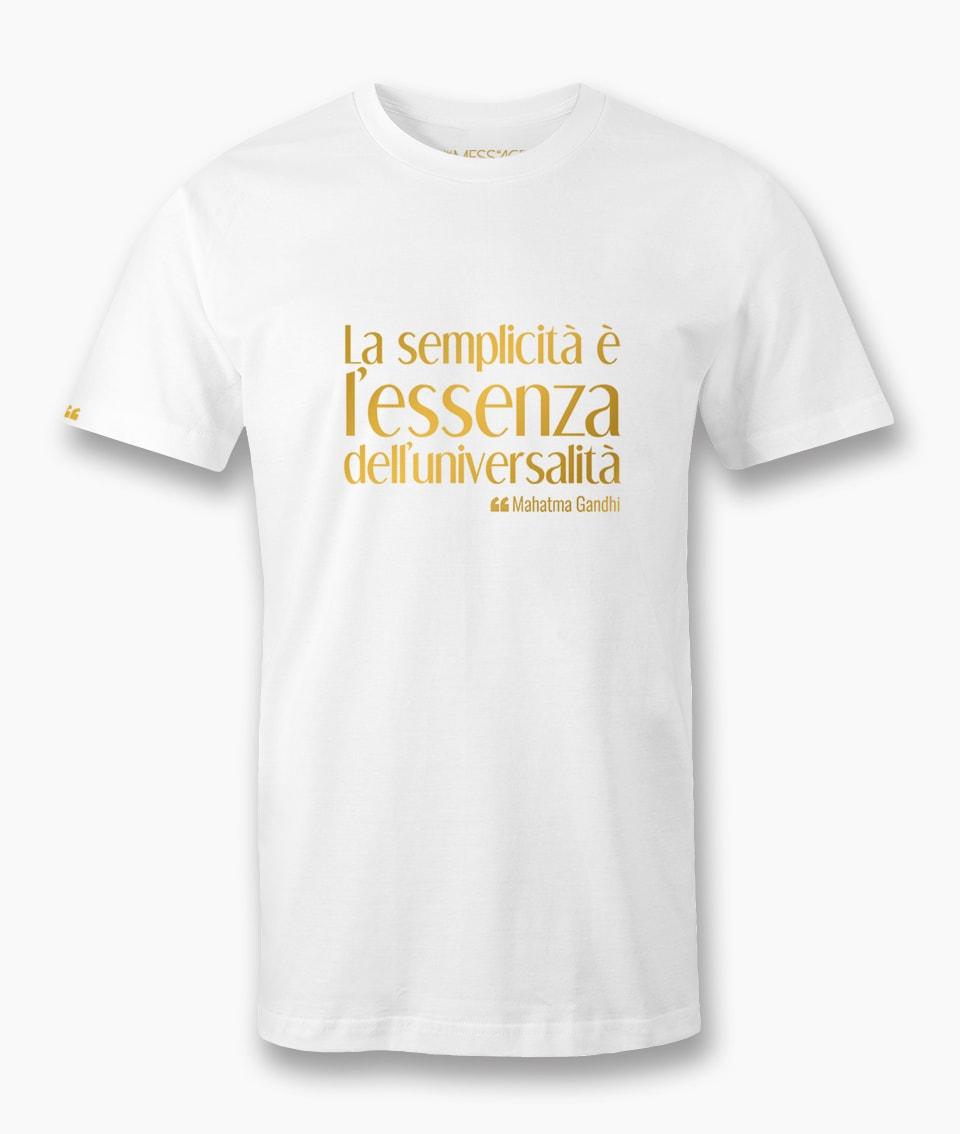 T-Shirt – La semplicità è l'essenza – Mahatma Gandhi