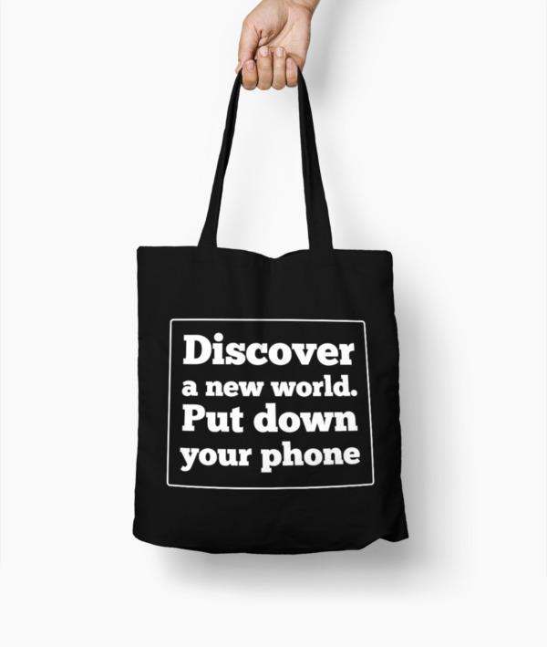 Tutto ciò che ci irrita negli altri – Carl Gustav Jung T-Shirt