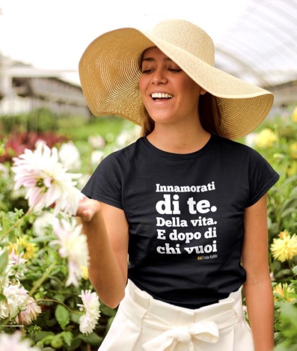 Innamorati di te – Frida Kahlo T-Shirt