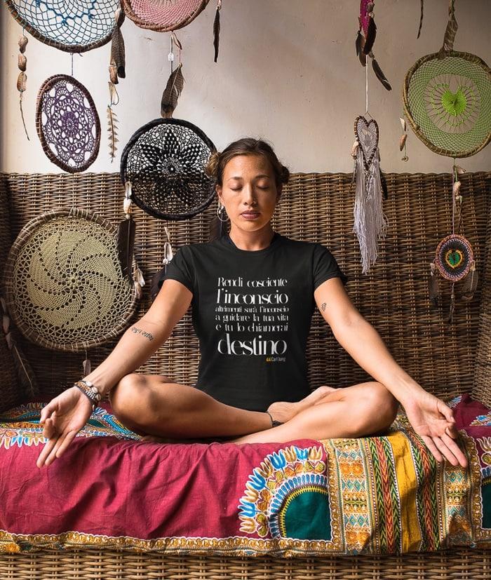 Rendi cosciente l'inconscio – Carl Gustav Jung T-Shirt
