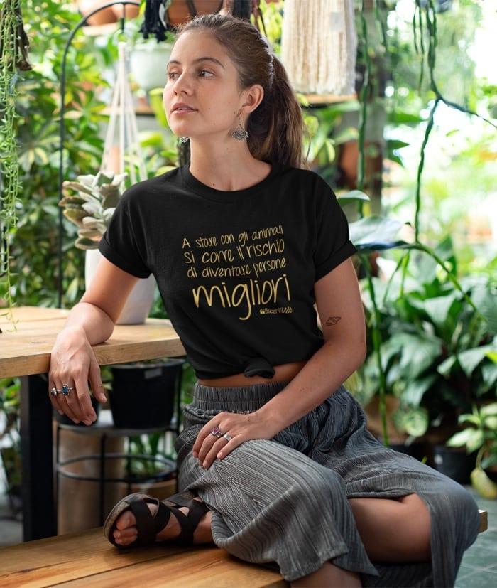 A stare con gli animali si corre il rischio – Oscar Wilde T-Shirt